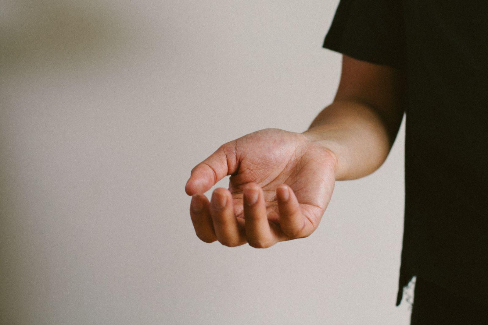 https://d2ebzu6go672f3.cloudfront.net/media/content/images/Mans-hand-wrist-pain-palm-fingers-Death_to_Stock_Photography_BodyTruths_2.jpg
