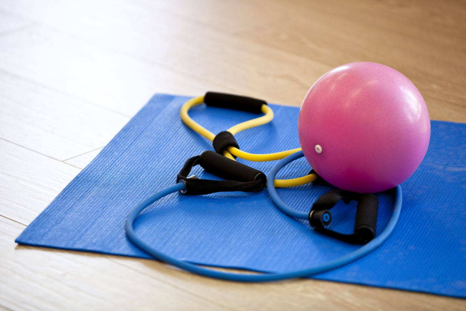 exercise-mat-yoga-strap-medicine-ball