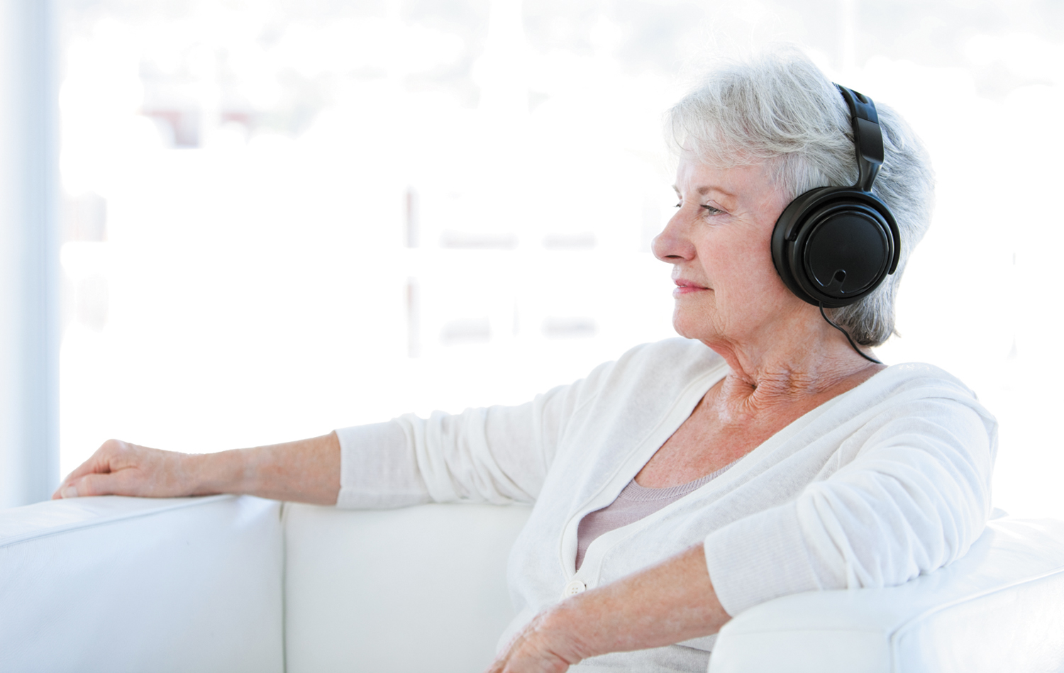 how music can help you heal harvard health music therapy can calm anxiety ease pain and provide a pleasant diversion during chemotherapy or a hospital stay